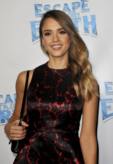 Jessica-Alba-sur-le-tapis-rouge-d-Escape-From-Planet-Earth-a-Los-Angeles-le-2-fevrier-2013_portrait_w674