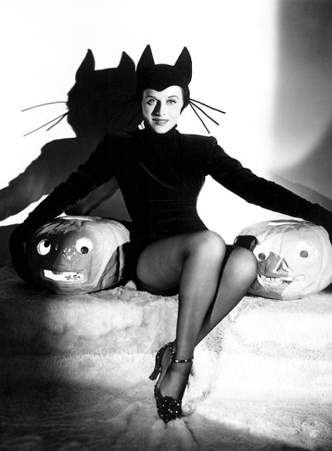 Paulette Godard hedy-lamar-sexy-cat-vintage-halloween-pinups