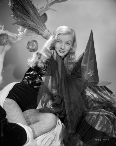 Veronica Lake tumblr_mp64x2mst61stntu3o1_500