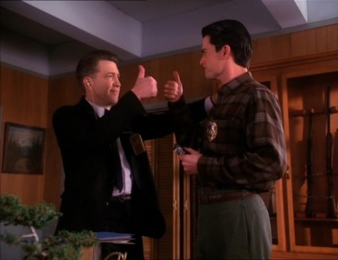 Twin Peaks Thumbs Up
