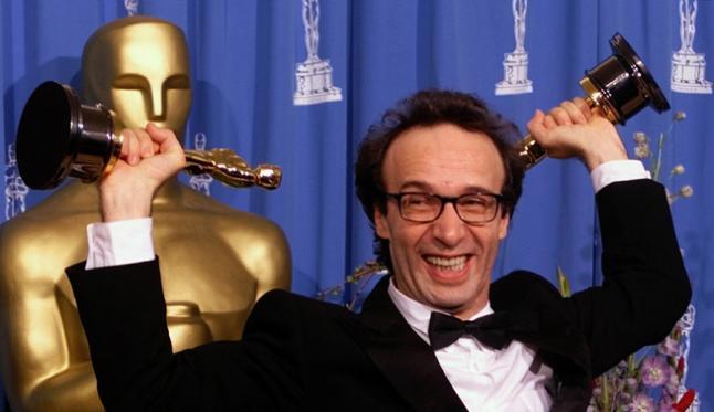 """Jag svarar på tre aktuella frågor i MovieZines """"Bloggpanelen"""": Del Toro, Cirkeln och Oscarsgalan"""