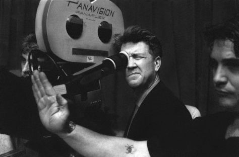 David-Lynch-filming-Twin-Peaks-850x560