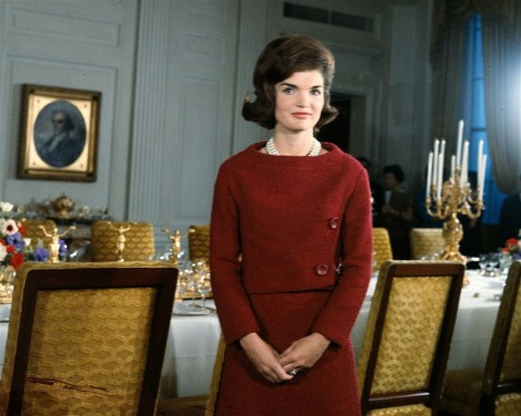 beauty-2012-05-34-100-best-hairstyles-jackie-kennedy-onasis-pillbox-hairdo-main